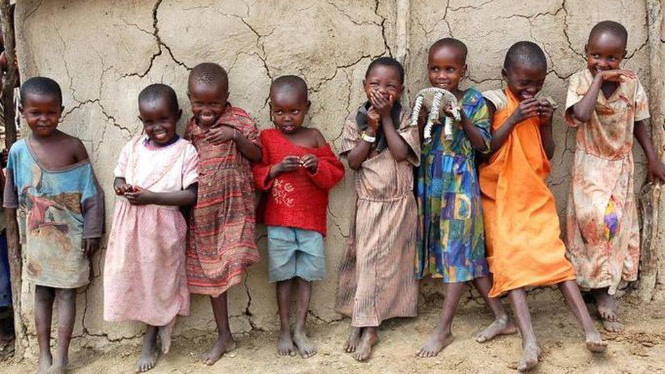 Polewają je kwasem i palą żywcem, by walczyć z czarami: Biedne, nigeryjskie  dzieci!   Papilot