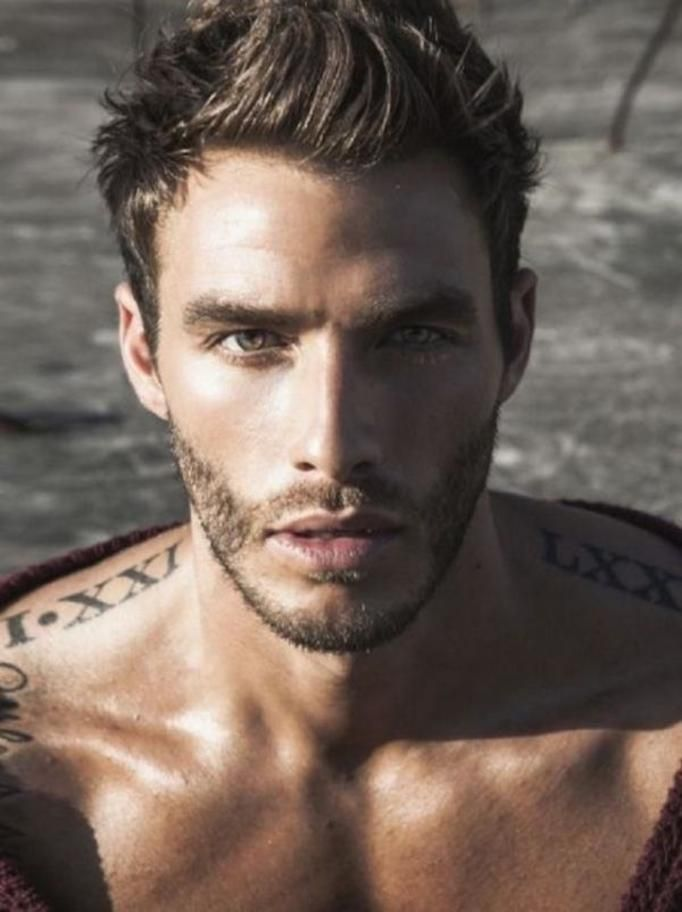 7 Najseksowniejszych Miejsc Na Męskim Ciele Które Są Idealne Na Tatuaż Papilot
