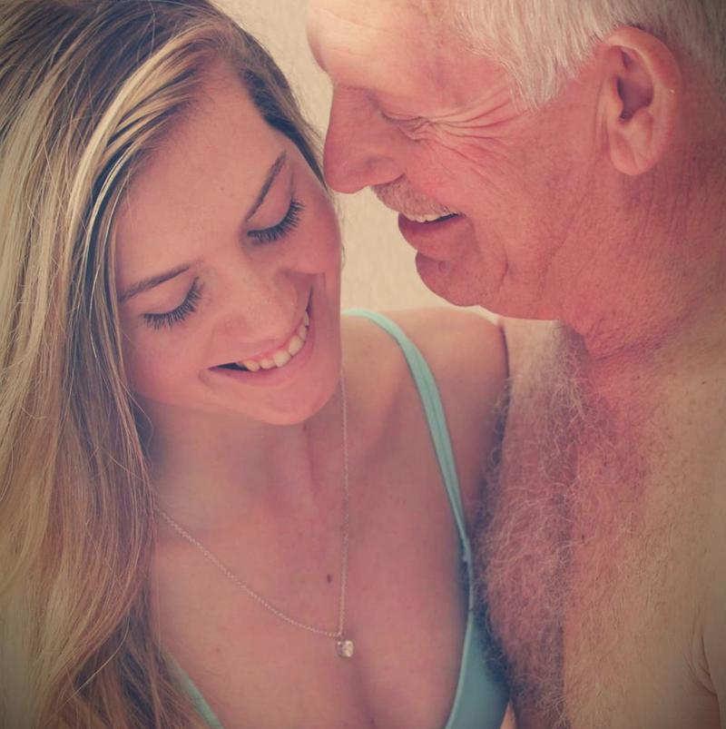 Ona ma 19 lat, a on 62. Niedawno się pobrali, a teraz starają się o dziecko - 2