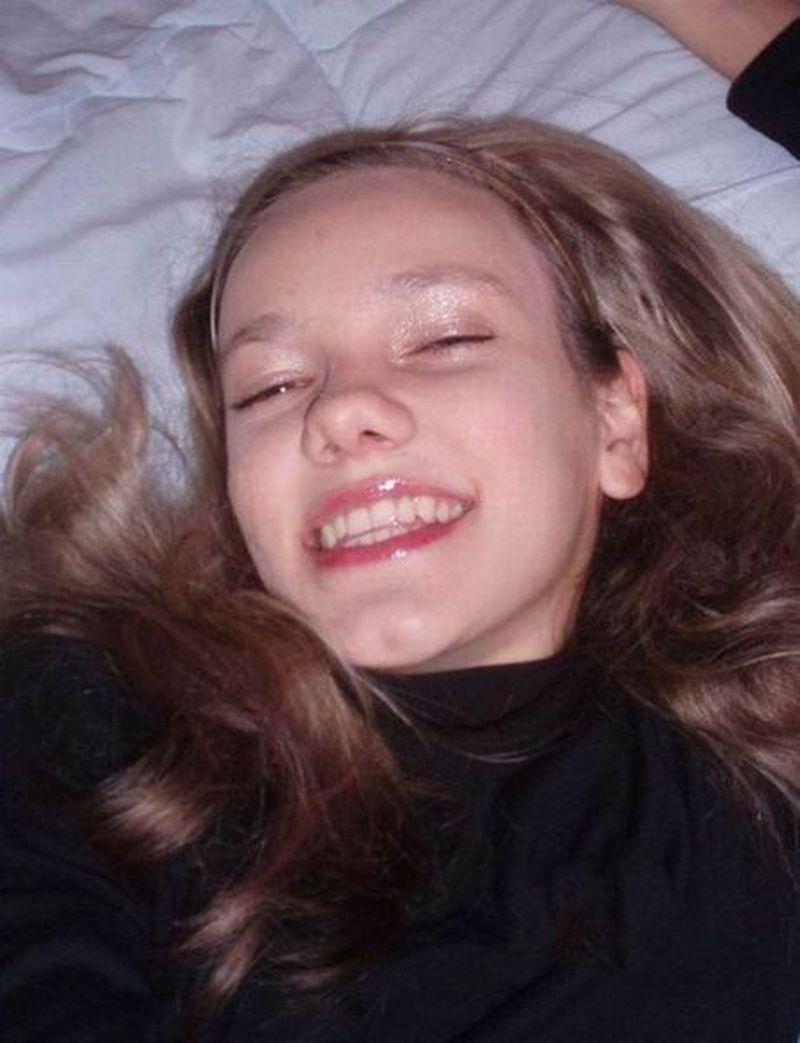 Ta dziewczynka uzależniła się od operacji plastycznych. Bierze przykład z mamy - 2