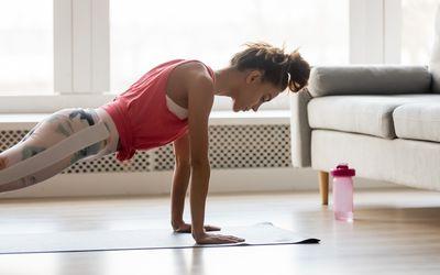 8 prostych ćwiczeń, które sprawią, że skutecznie schudniesz i ujędrnisz ciało