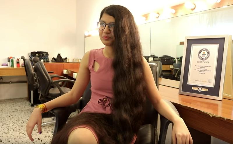 Od 11 lat unika nożyczek jak ognia. Hinduska Roszpunka zachwyca prawie 2-metrowymi włosami - 2