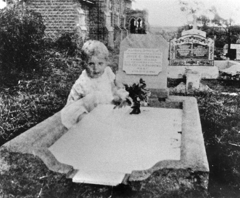 Najstraszniejsze zdjęcia wykonane na cmentarzach - 2