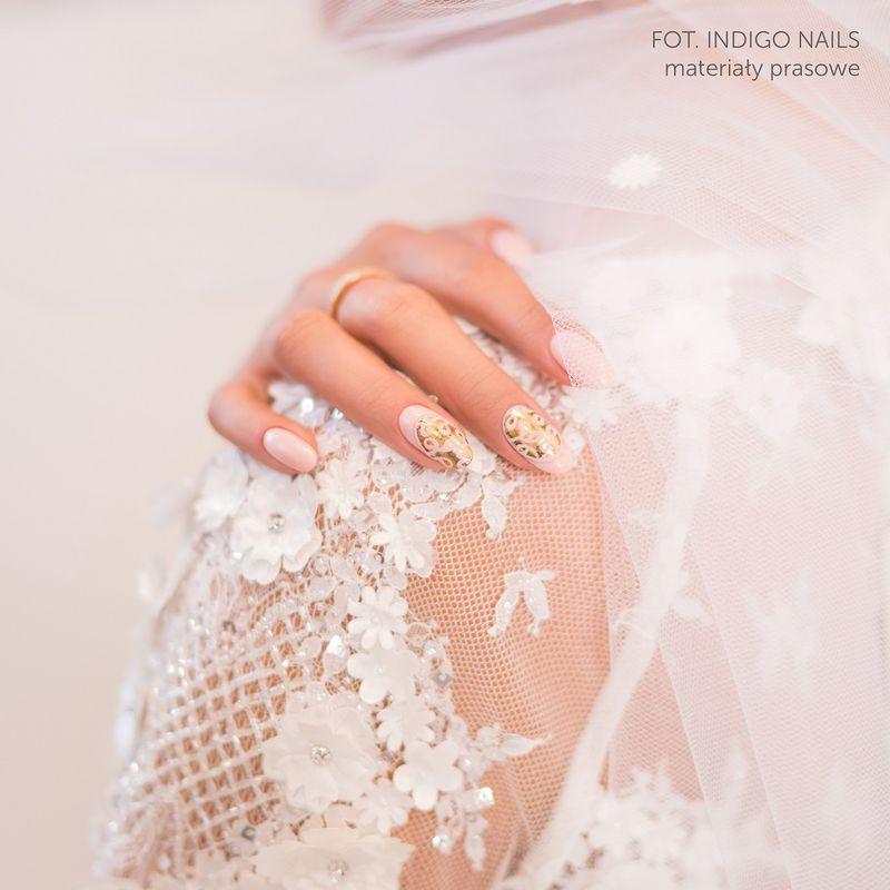 Jak pomalować paznokcie na ślub? Oto manicure, który króluje w tym roku - 2